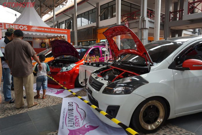 Otobursa Tumplek Blek 2019 Diramaikan Berbagai Aliran Modifikasi Mobil dan Motor